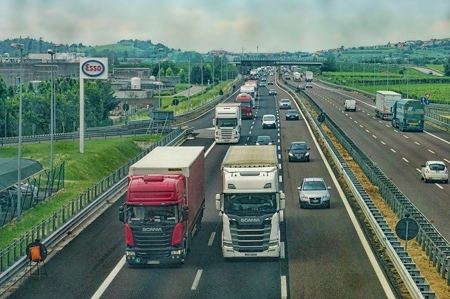 Crucial Truck Driver Safety Measures to Minimize Risks